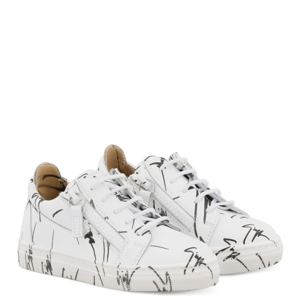 THE SIGNATURE JR. - White - Low top sneakers