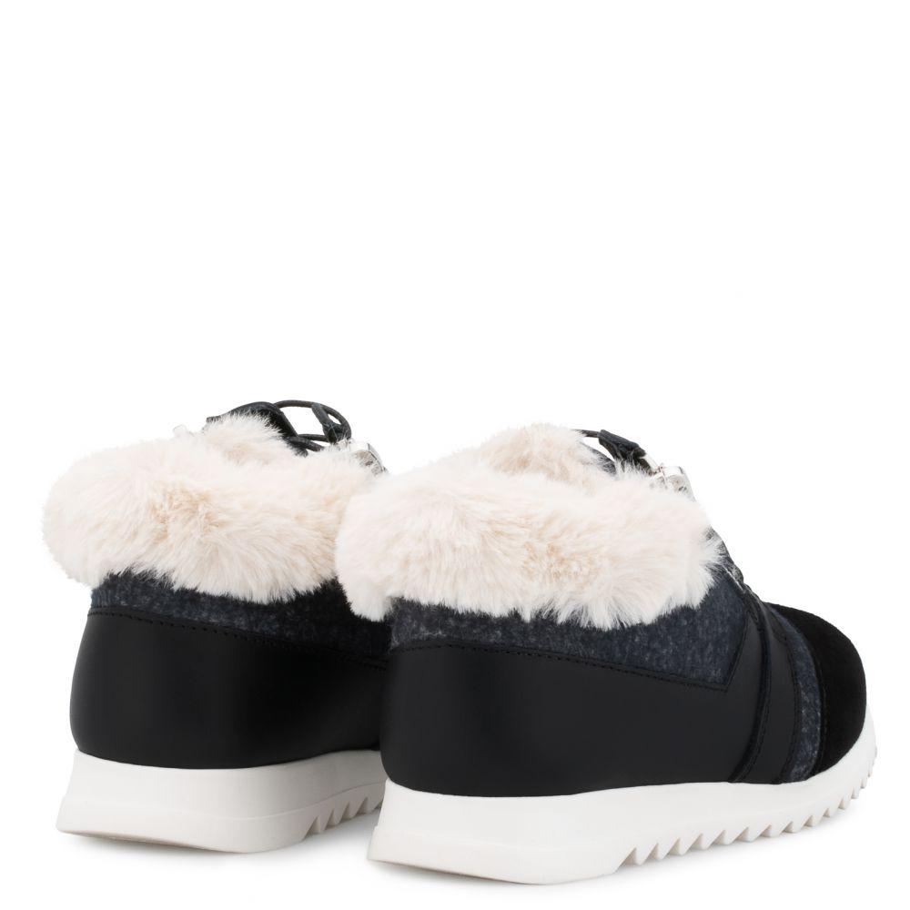 RUNNER JR. - Black - Low top sneakers