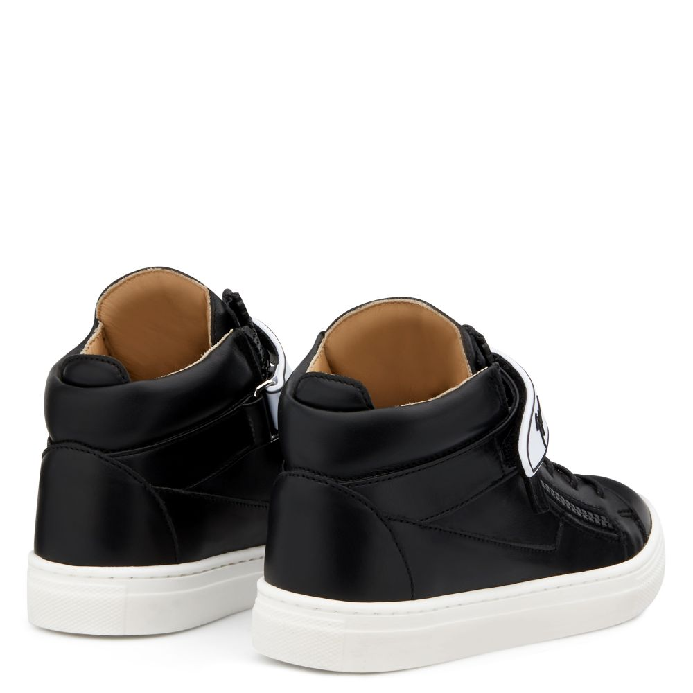 KRISS 1/2 JR. - Black - Mid top sneakers