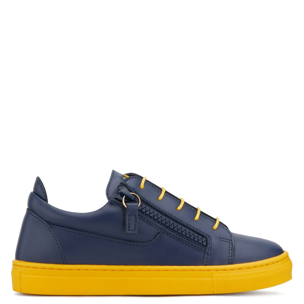 FRANKIE COLOR JR. - Blue - Low top sneakers