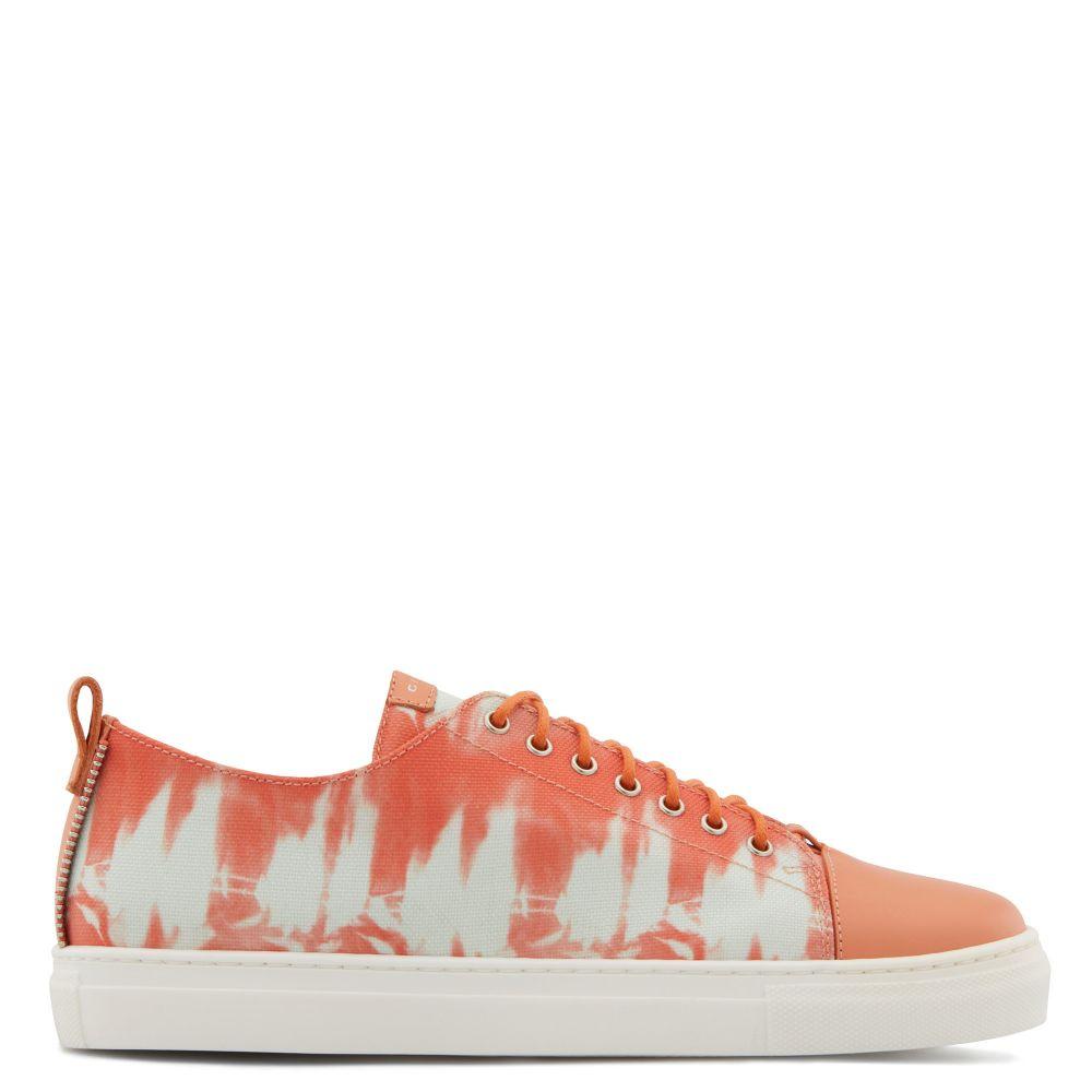 PYIN - Orange - Low top sneakers